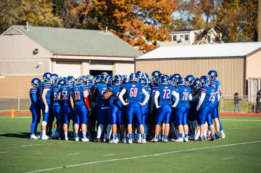 WHS+football+team+on+Thanksgiving+in+2017